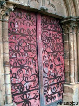 Eingang-La-Collegiale-Saint-Martin-copyright-winzerblog.jpg