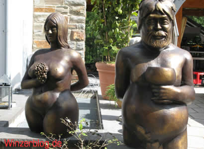 Maibachfarm_Statuen.jpg